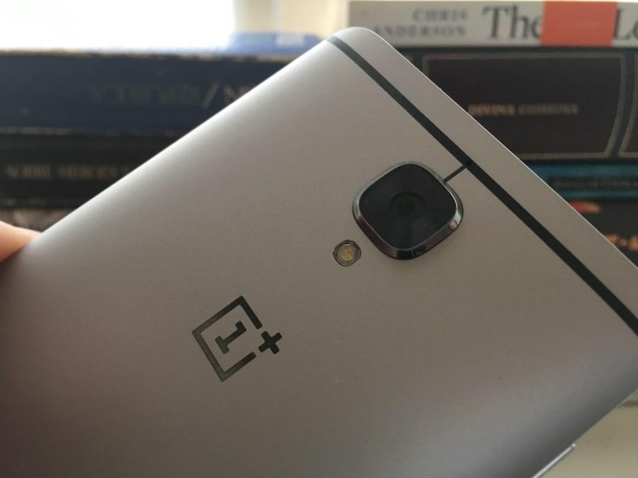 El OnePlus 3 cuenta con una cámara que cumple