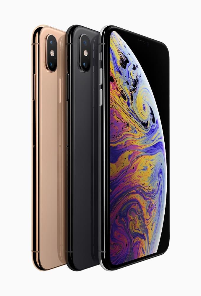 Render oficial del iPhone Xs en sus tres variantes de color.