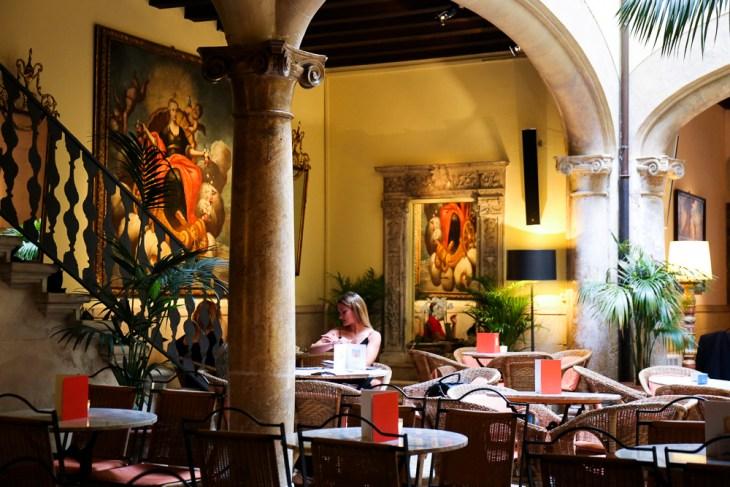Cappuccino Grand Café , Nicola Bramigk