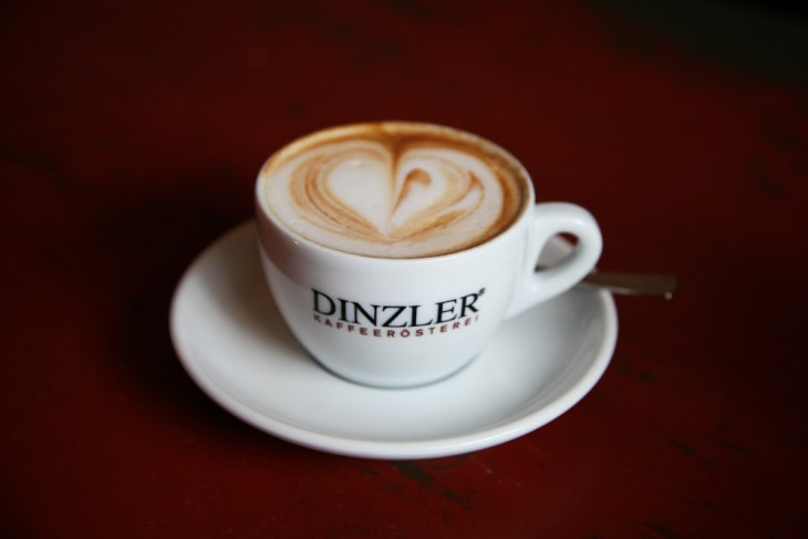 Dinzler Kaffeerösterei Raststätte, Nicola Bramigk