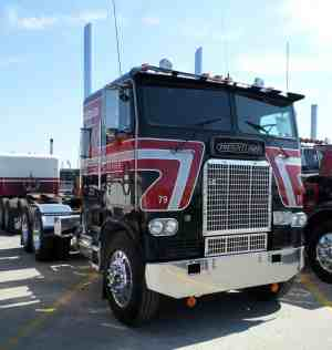 The Ultimate Freightliner Cabover Quick Guide and Photo Gallery