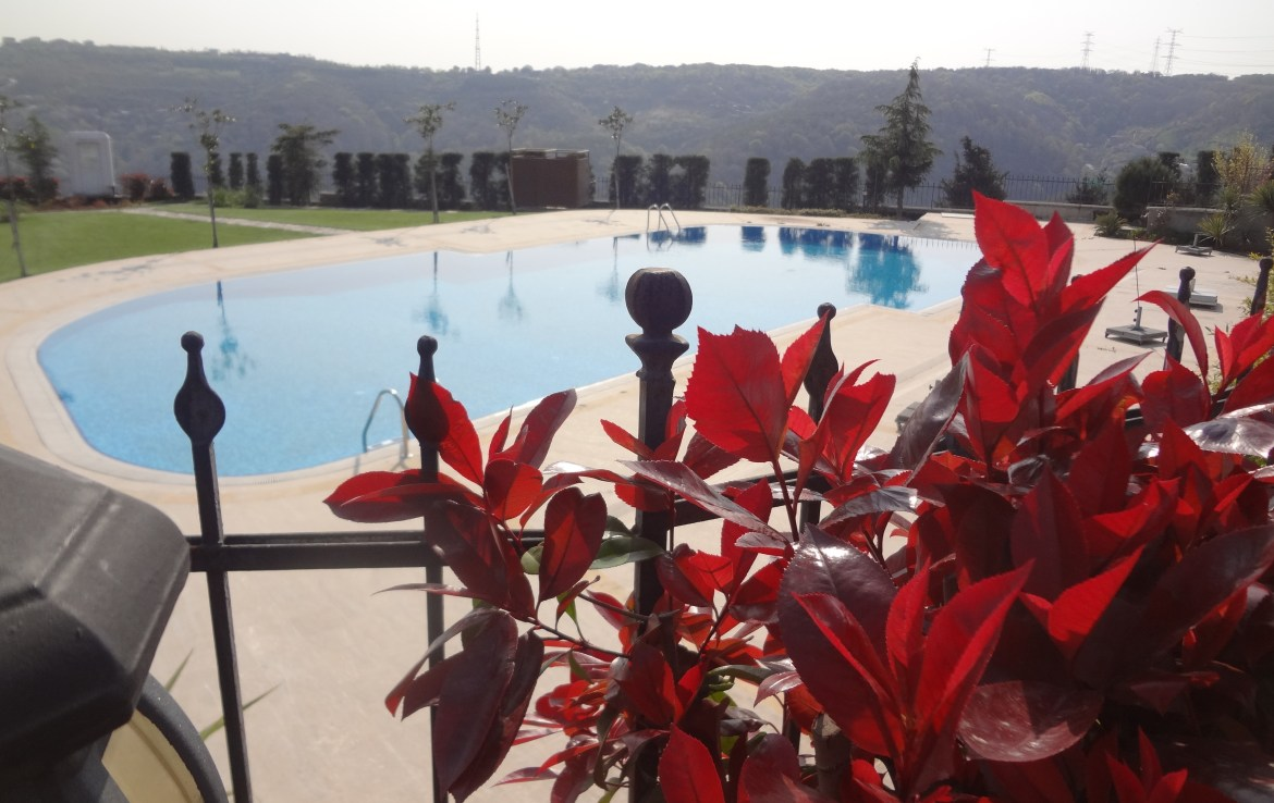 Luxury villa for sale in Istanbul Sariyier with phosphor view