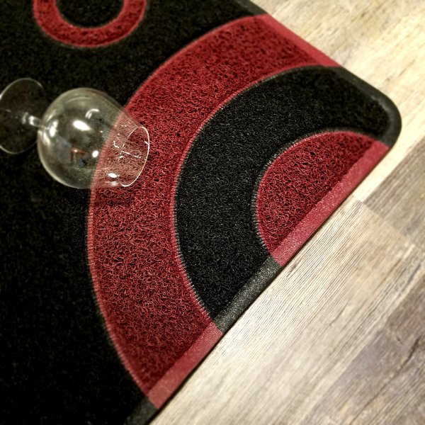 Smartcatcher Bullseye Black Red Wine Kitchen Mats 1