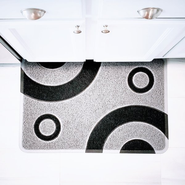 bullseye silver and black mat square 1