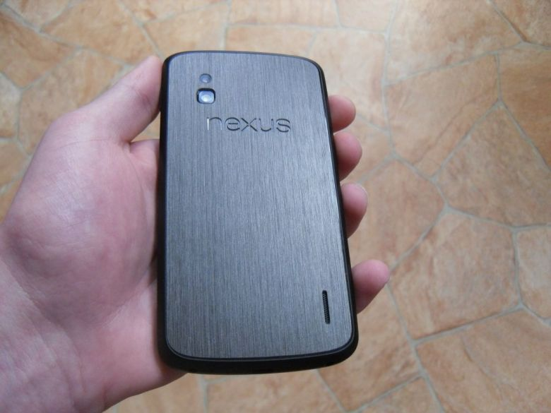 Nexus_4_Dbrand_Skin_Black_Titanium_2