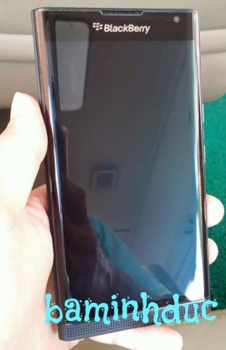 blackberry venice leak (1)
