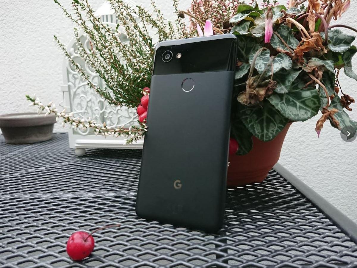 Google Pixel 2 XL Header