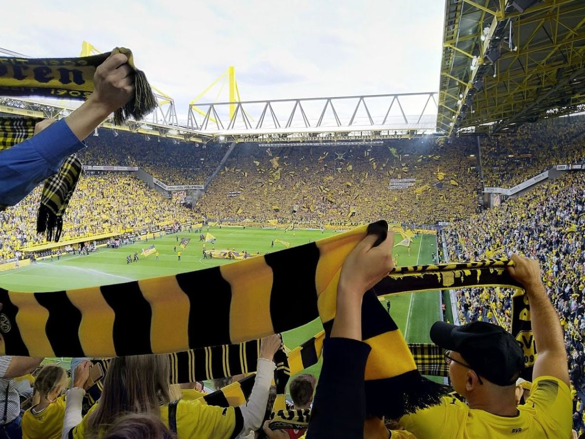Borussia Dortmund Stadion Signal Iduna Park Header