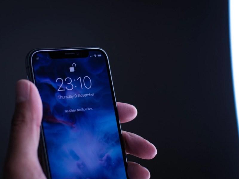 Face-Unlock Smartphone Header