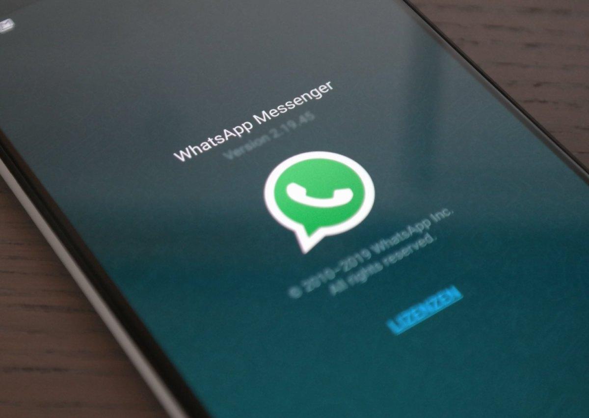 WhatsApp Header 1600px