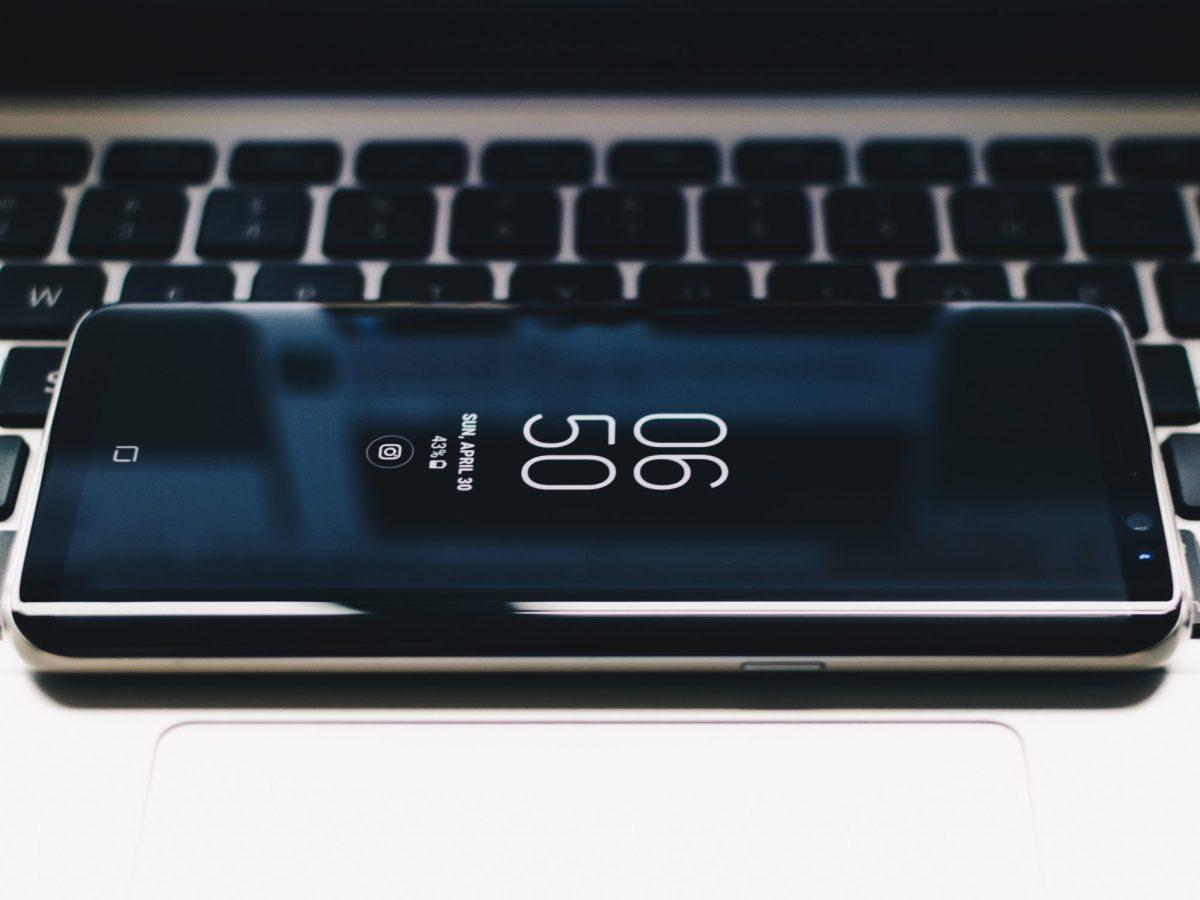 Samsung Galaxy S8 Header