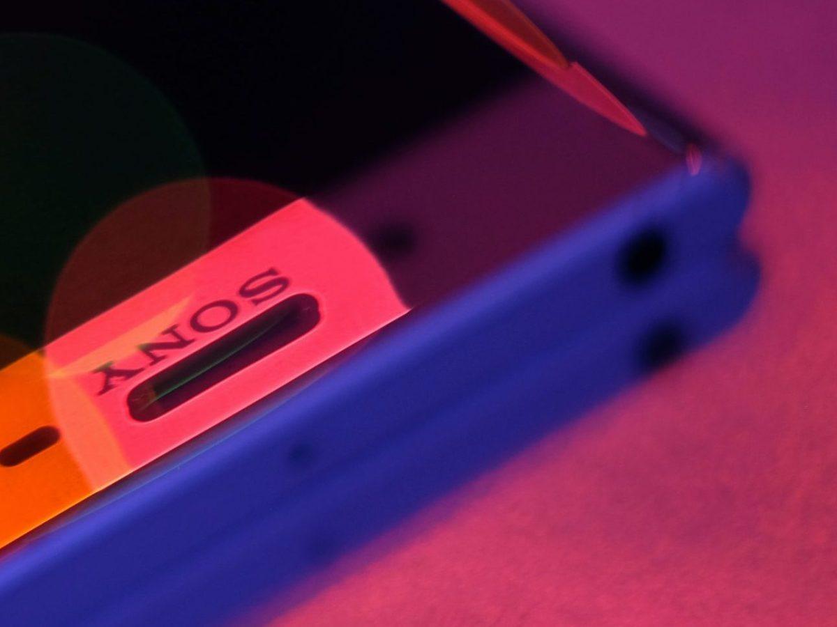 Sony Xperia Smartphone Red Blue Light Unsplash Header