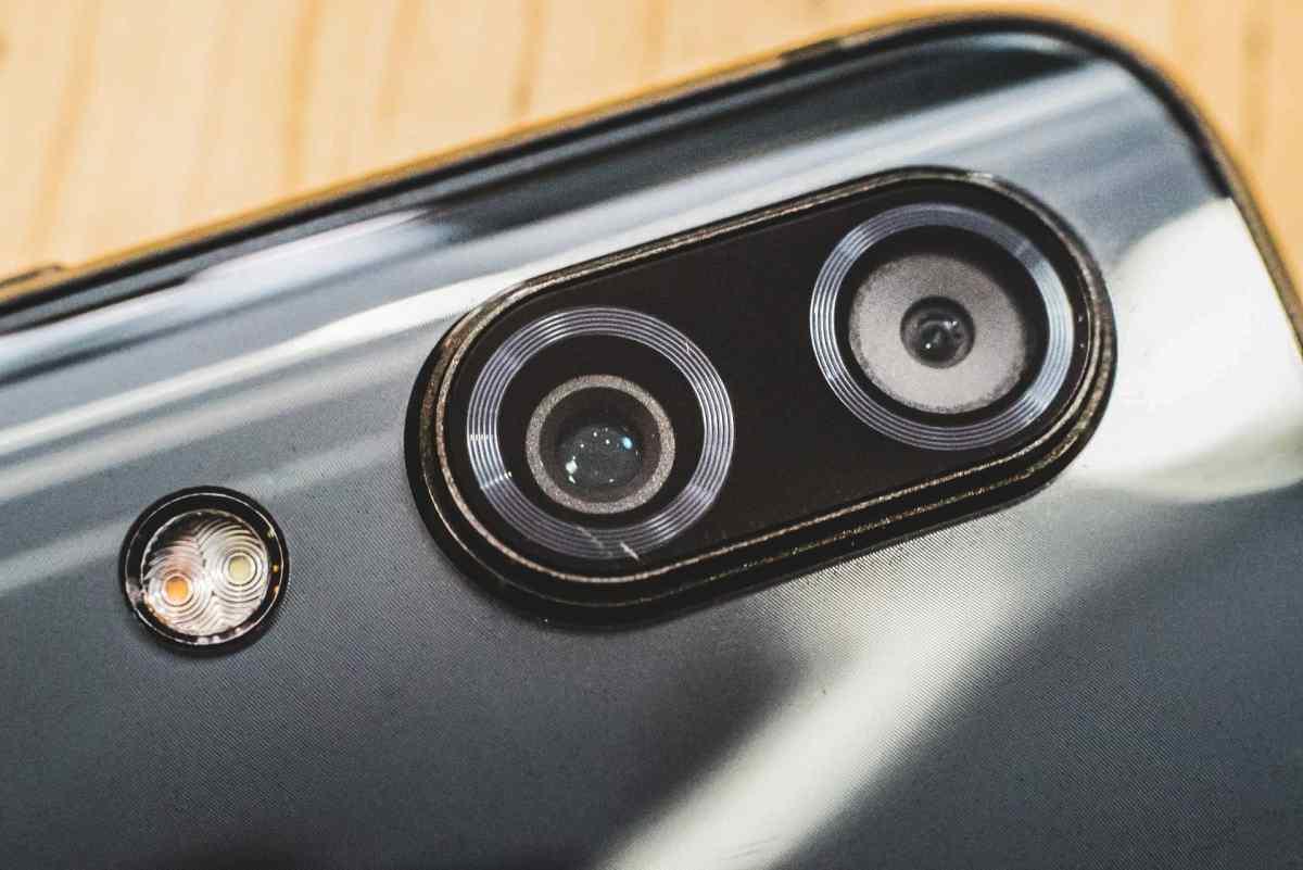 Smartphone Camera Dual Cam Mika Baumeister B5qvo4gkx Q Unsplash