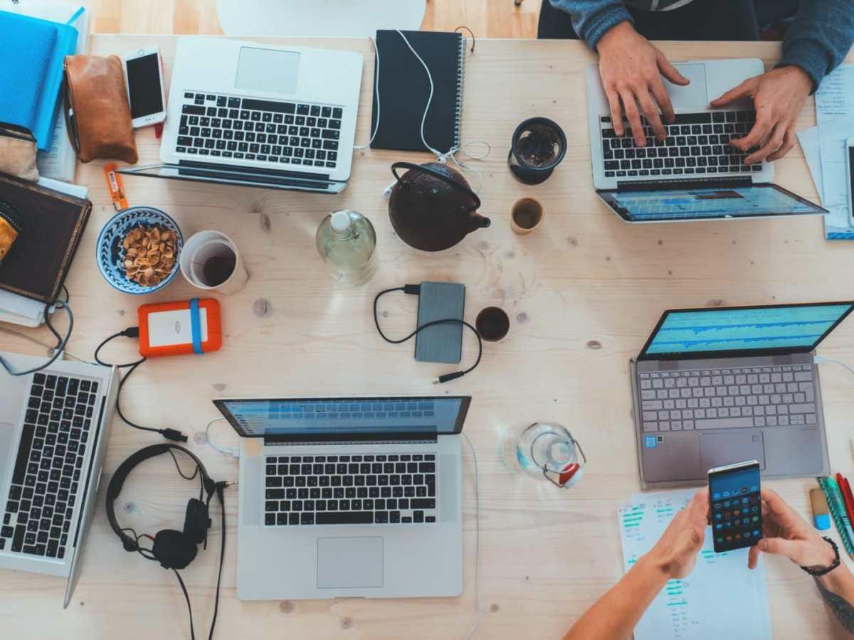 Computer Notebook Arbeit, Schreibtisch, Entwicklung Head