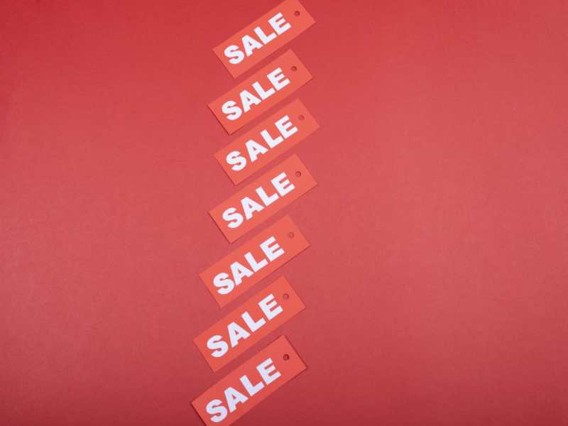 Sale Deals Head