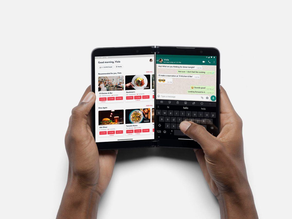 Microsoft Surface Duo 2 Multitasking