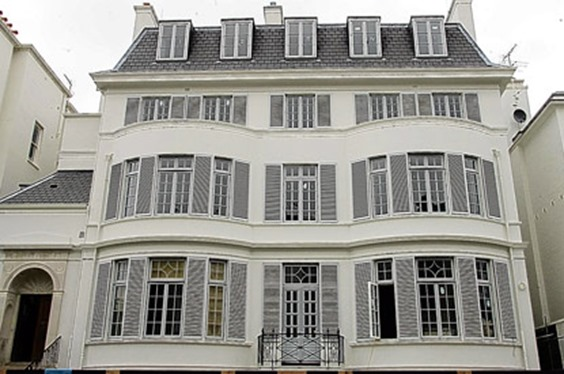 Elena Franchuk's Victorian Villa