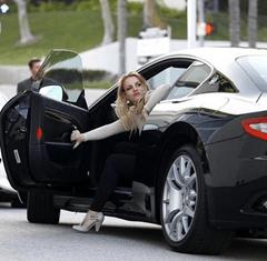 britney driving her masrati