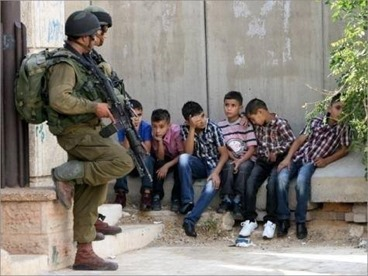 Children arrested by israelis in 2014