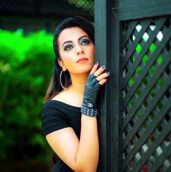 SEM-Farzana-Naz-Afghan-Singer-2017