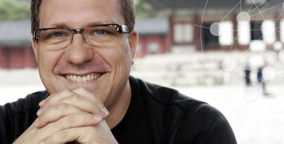 Wie meistert man den Weg zur Netzwerkorganisation? Smarter Service Talk mit Niels Pfläging.