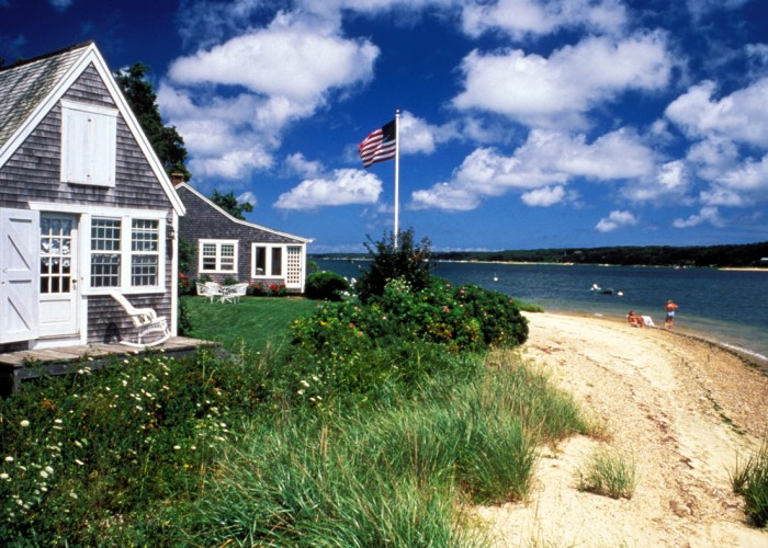 Don't miss the boat to Martha's Vineyard