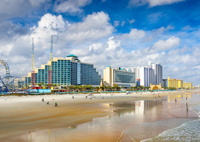 10 Best Beach Towns in America