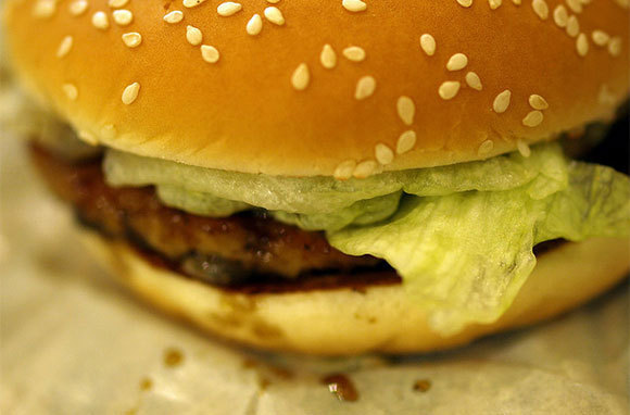 Avoid Junk Food Before and During Your Flight