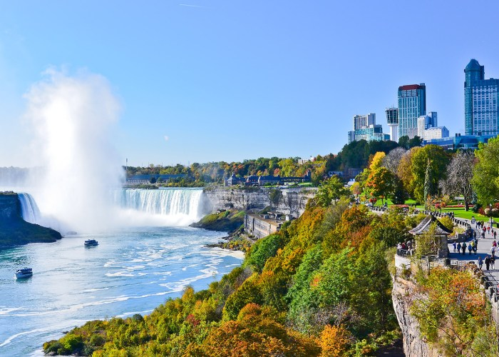 19 Things You Can Only Do in Canada