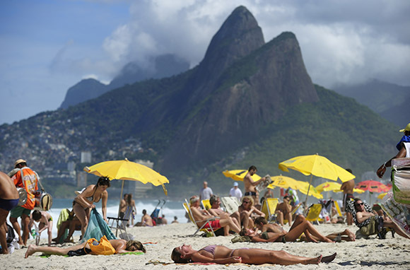 What to Expect On a Brazilian Beach