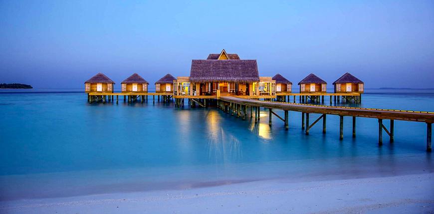 overwater bungalow anantara kihavah villas