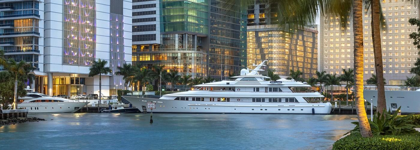 downtown miami boat