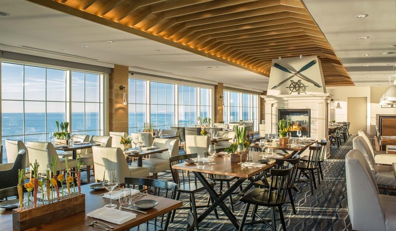 Cliff house dining