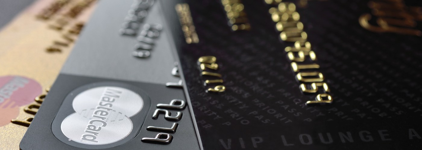 credit cards and vip airport lounge card Priority Pass.