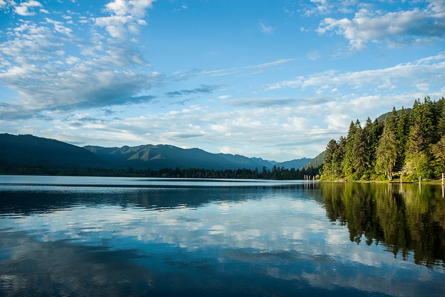 lake quinault washington.