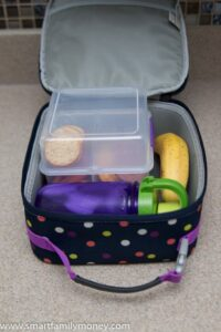How to pack a lunch for a young child