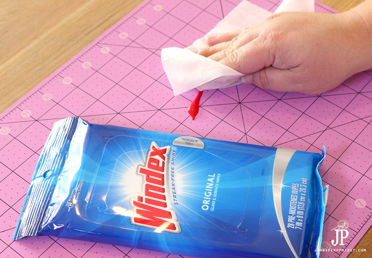 Cleaning-Craft-Mat-with-Windex-Wipes-Jenniferppriest