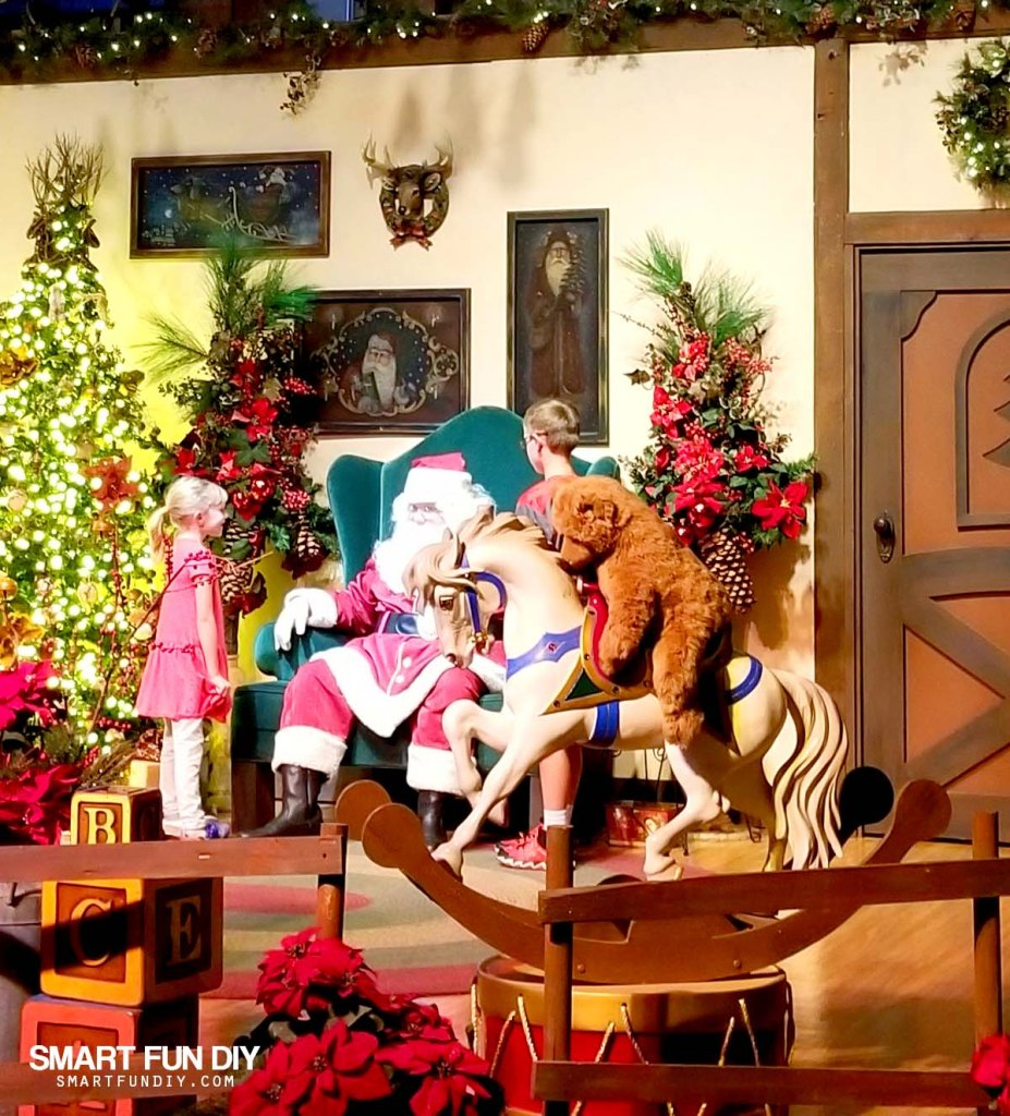 A Grandparents' Guide to Knott's Merry Farm - Smart Fun DIY. Every year around Thanksgiving the conversation comes up about what we should do for Christmas. #knott'smerryfarm #themepark #christmas