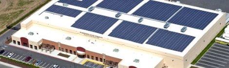 Budweiser utiliza paneles solares para bodegas de frío