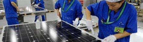 China solicita a Unión Europea negociar sanción en caso de paneles solares