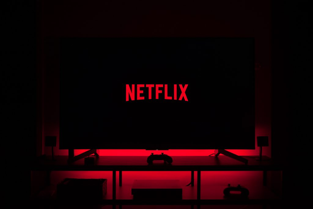 Why is Netflix not working on my LG Smart TV? Wifi issues