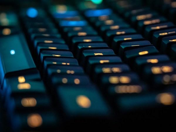 business applications Zoho Workplace updates improvements keyboard computer