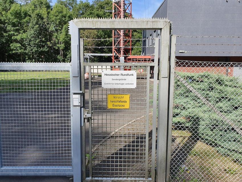 Eingang zum hr-Gelände auf dem Rimberg (Foto: SmartPhoneFan.de)