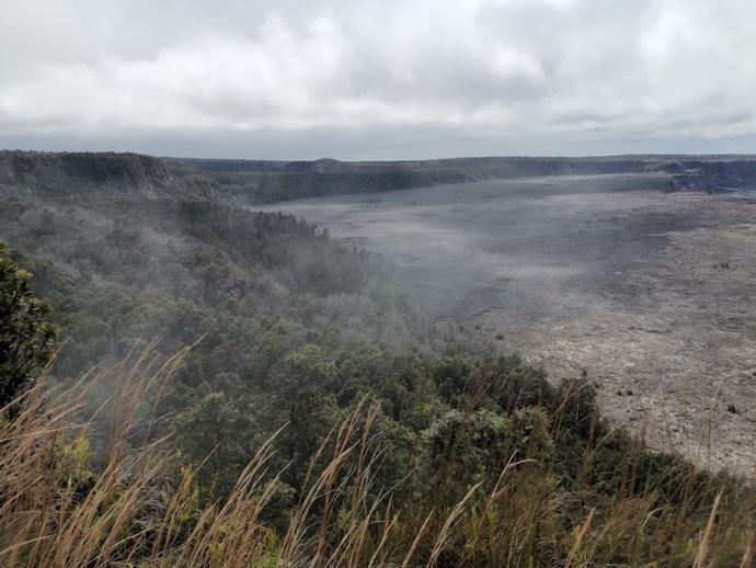 Riesiger Krater im Volcanoes National Park (Foto: SmartPhoneFan.de)