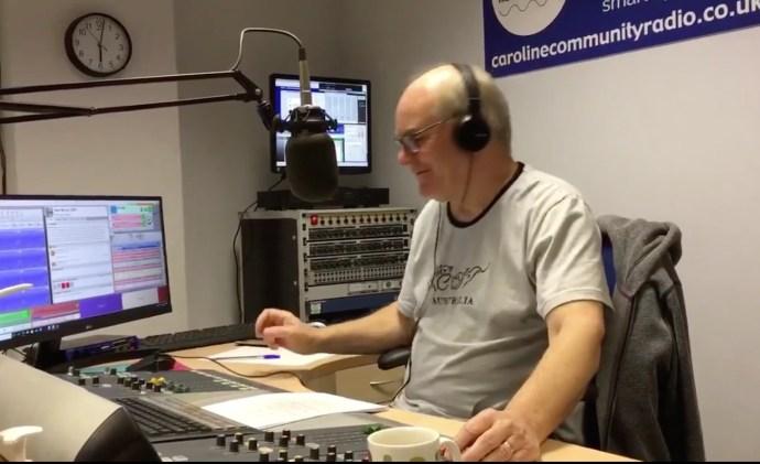 Ray Clark beim Sendestart von Caroline Community Radio (Foto: Caroline Community Radio)