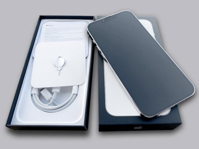 Neues iPhone-Flaggschiff ausgepackt (Foto: teltarif.de)