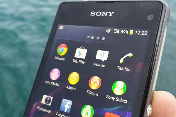 Sony Xperia Z1 Compact recenzija zaslon