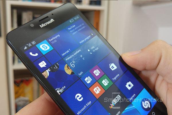 lumia-950-recenzija-zaslon