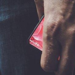 Suosnivač Androida najavljuje novi smartphone sa zaslonom od ruba do ruba