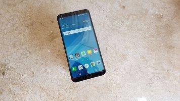LG Q6 recenzija